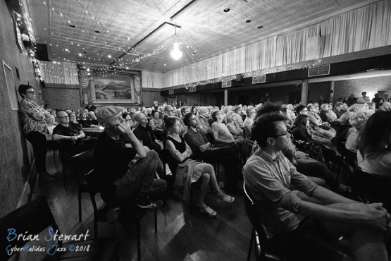 Audience - (xe3_03165)
